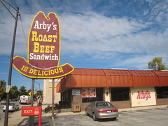Arby's Roast Beef - Harlem Avenue - Berwyn (Mark 2400) Tags: sign illinois harlem beef roast avenue berwyn arbys