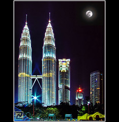 KLCC - Romantic (tlchua99) Tags: city night buildings landscape cityscape fujifilm kualalumpur 1001nights kl hdr klcc petronastwintowers picturenaut s100fs
