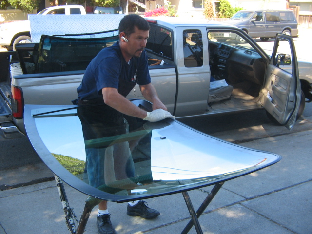Windshield replacement man by saveon