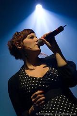 Wax Tailor (FR) - Charlotte Savary (Brian Ravaux - ImmortalizR) Tags: music paris canon french 350d concert dj live gig wax hiphop hip hop tailor bataclan waxtailor brianravaux charlottesavary immortalizr