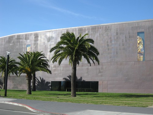 The new De Young even looks vaguely Egyptian. Well, if the Egyptians built low horizontal buildings out of beaten metal.