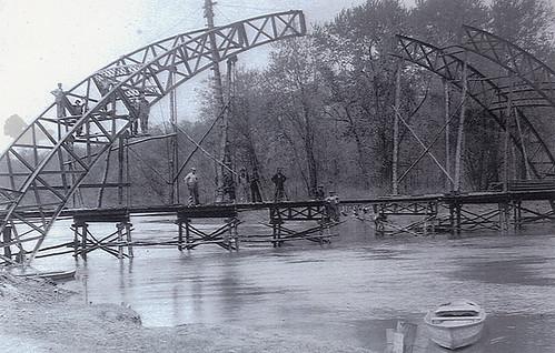 Construction of Dunn's Bridge Over Kankakee River, 1904