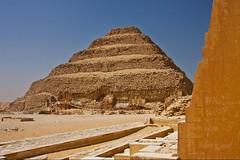 (731) Stufenpyramide des Djoser (avalon20_(mac)) Tags: africa geotagged pyramid egypt 500 ägypten sakkara misr eos40d schulzaktivreisen