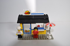 Vintage Lego Hamburger Stand Playset 6683 (jadedoz) Tags: shop town stand lego burger mini hamburger 1983 figures playset hamburgerstand 6683