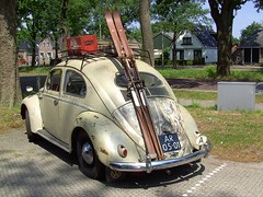 1955 Volkswagen 1/11 deLuxe (Davydutchy) Tags: volkswagen vw beetle coccinelle kever käfer bakkeveen fryslân friesland netherlands holland sligro a austria österreich may 2011