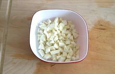 16 - Sellerie fein würfeln