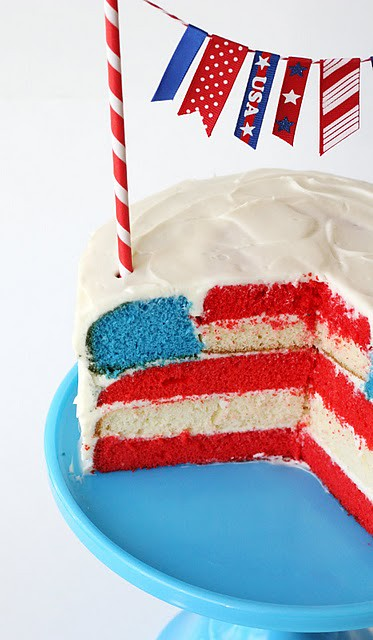 8 GloriousTreats-American Flag July 4th Layer Cake Idea