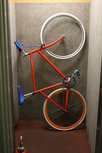 Tokyobike in elevator