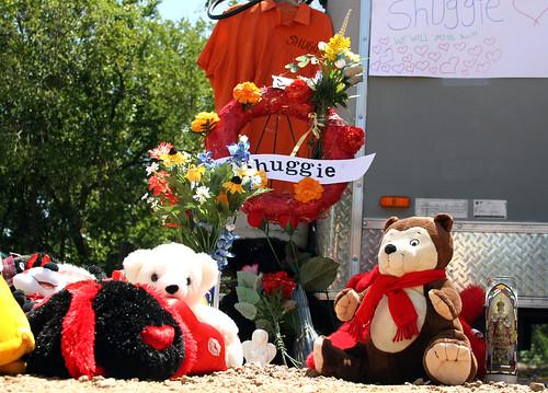 Shuggie's Memorial. Aww....