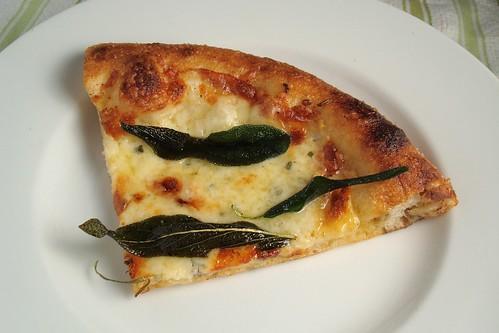 Mozza's Pizza Bianca