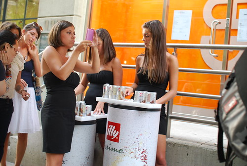 Illy marketing campaign