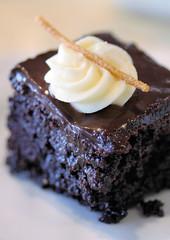 fudge cake 4215 R