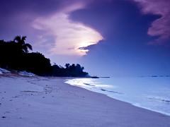 Purple sunrise (nicklwc) Tags: travel sunrise nikon singapore purple nikkor 1870mm eastcoastpark cokin d90 gnd4 gnd8 nikkorafs1870mm