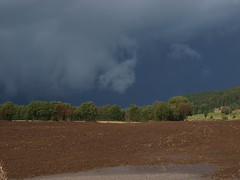 Change In The Weather (Peter Nyhlén) Tags: clouds landscape landskap moln e520 olympuse520 kinnahult harpebo peternyhlen