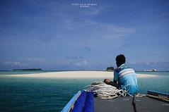 blue of indonesia.03 (nilai asia) Tags: sky beach water clouds indonesia island boat starfish shoreline bluehour sands seashore 2009 seawater belitung 5photosaday bangkabelitungprovince selatkarimata westbelitung gusongisland