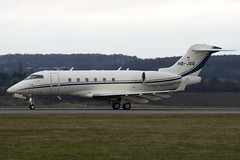 HB-JGQ - Private - Bombardier BD-100-1A10 Challenger 300 - Luton - 090312 - Steven Gray - IMG_1250