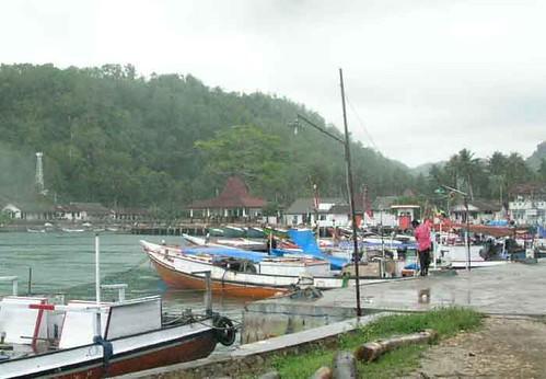 Perahu Nelayan Di Pantai Sadeng