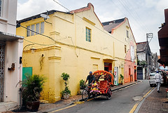 Melaka Yellow Building (fotofrysk) Tags: malaysia malaka travelkualalumpur