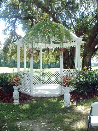 garden gazebo wedding