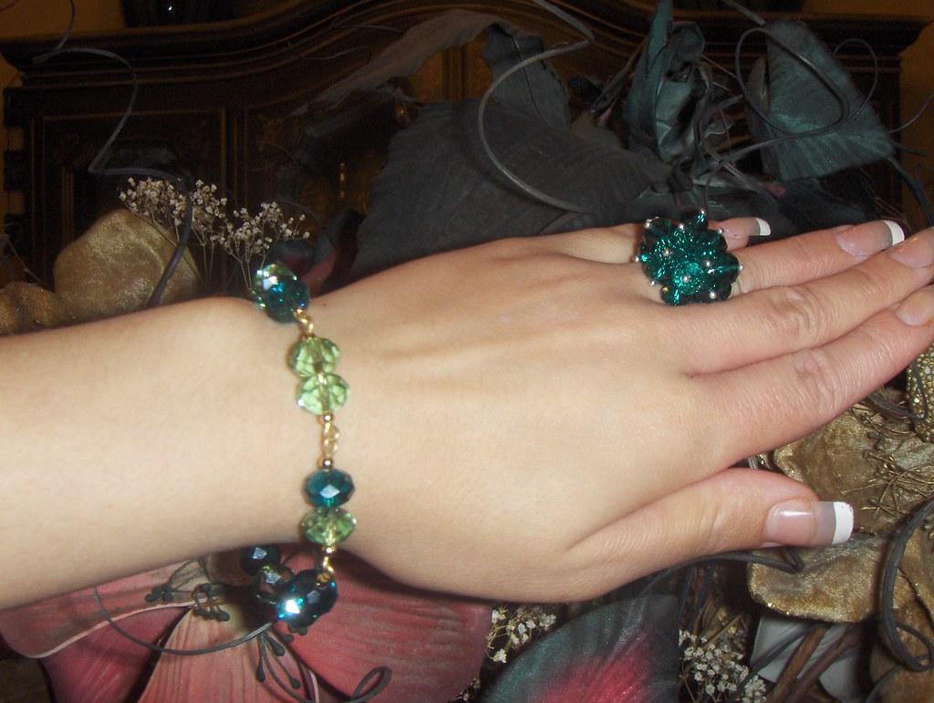 boutique 1158BELLA BLOSSOM tennis swarovski crystal faceted peridot/indicolite bracelet