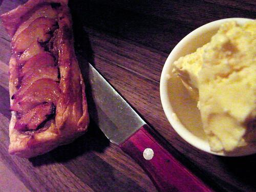 01-12 crisp & cream