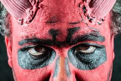 Teufel / Devil (akumaohz) Tags: maske mask people person personen portrait nikon d3200 halloween indoor drinnen deutschland germany schminke makeup fasching karneval farbe color colorful porträt kostüm surreal schwarzer hintergrund schwarz black gruselig horror teufel devil satan rot red