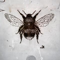 IMG_20161128_145401 (.krayon) Tags: krayon stencil streetart bombo bee pixel pixelart streetphotography cutting insect