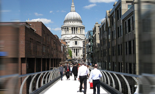 "London 406 • <a style=""font-size:0.8em;"" href=""http://www.flickr.com/photos/30735181@N00/3708146731/"" target=""_blank"">View on Flickr</a>"
