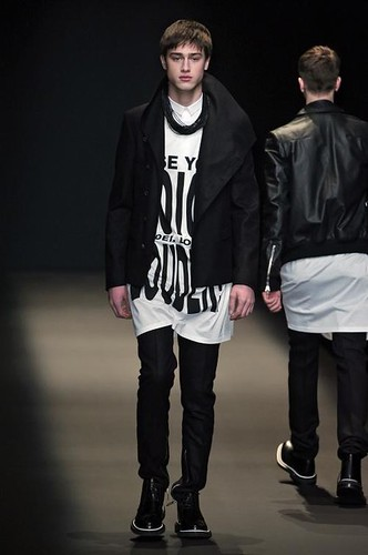Aram Gevorgyan3013_FW09_Paris_Dior Hommes