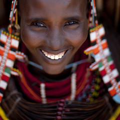 Smiling Rendille woman - Kenya (Eric Lafforgue) Tags: africa portrait people smile face happy beads kenya african culture tribal human tribes bead afrika tradition tribe ethnic sourire kenia tribo gens visage afrique ethnology tribu eastafrica rift beadednecklace qunia 6047 lafforgue ethnie rendille rendile  qunia    beadsnecklace kea   africa east  humainpersonne a