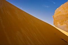 (668) dunes (avalon20_(mac)) Tags: africa travel blue sky sahara nature geotagged sand desert egypt 500 misr eos40d schulzaktivreisen