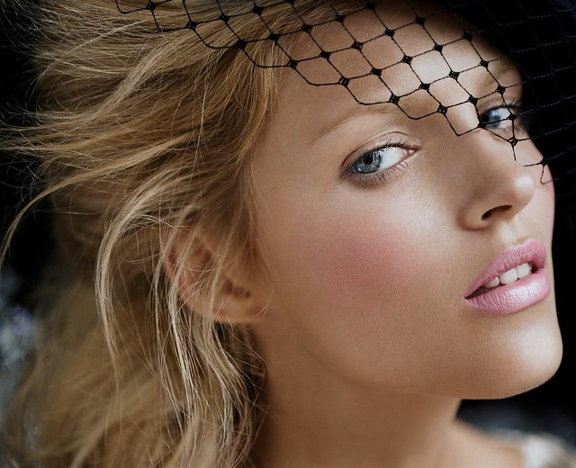 Anja Rubik-Vogue Nippon October 2006