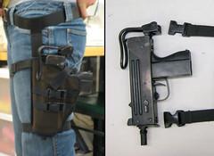 Roller, thigh holster detail