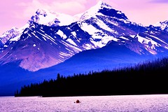 Boating on Maligne Lake (picadventures) Tags: park mountain rockies boat jasper scenic parks canoe national canoeing maligne jaspernationalpark malignelake boatride