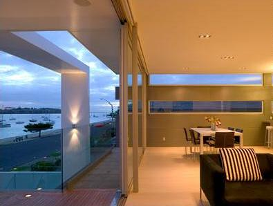 Contemporary Architectural in Urban Coastal House Design