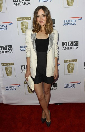 rose byrne red carpet. (Rose Byrne donning the Royal