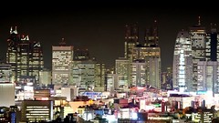 static : pulse on Vimeo by Samuel Cockedey (shinyai) Tags: sunset japan buildings 350d tokyo timelapse vimeo shinjuku cityscape highrise static 5d thunderstorm lightning pulse samuel moonset cockedey vimeo:id=4721548
