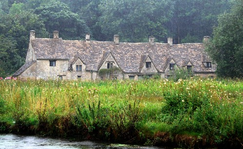 rainy day in bibury, the cotswolds