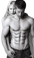 karın kası hareketleri Kaslı erkek vücudu