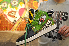 Customizao Momonas Assassinas (POP) Tags: graffiti shoes sneaker daruma panico custon senac informao marimoon pop mamonas mamonasassassinas popoh senacmodaeinformao custonshoes customizaodetnis customizaaodetenis sneakercuston