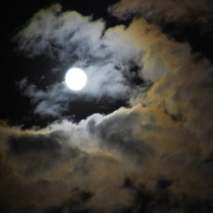goodnight moon... (Will Montague) Tags: summer sky moon black night clouds nikon cumulus goodnight lunar montague goodnightmoon d80 willmontague