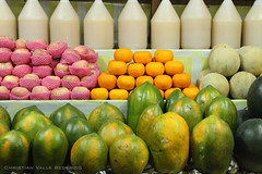 Fruit Stand (Christian Bederico) Tags: orange apple fruits canon philippines papaya newyear round fruitstand melon tagaytay cavite 2009 500d lanzones