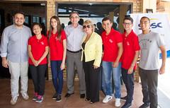 Presidente Marcelo Queiroz e a diretora Regional do Sesc, Jeane Amaral, confraternizam com alunos novatos e veteranos da Escola Sesc de Ensino Médio