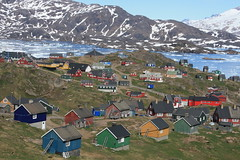 View from Hotel Angmagssalik (christine zenino) Tags: europe arctic greenland inuit grnland dogsled grnland angmagssalik groenland groenlandia eastgreenland 5photosaday tasilaq angmassalik tasiilaq casascoloridas grnland ammasalik  hotelangmagssalik tasiilaqgreenlandtravelguide greenlandtravelguide villageoftasiilaq greenlandichuskypuppy inuitvillage