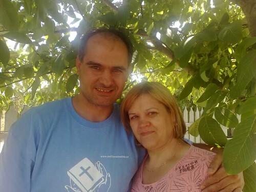 Vasile Filat si sora lui Lidia Parau in ziua pocaintei ei