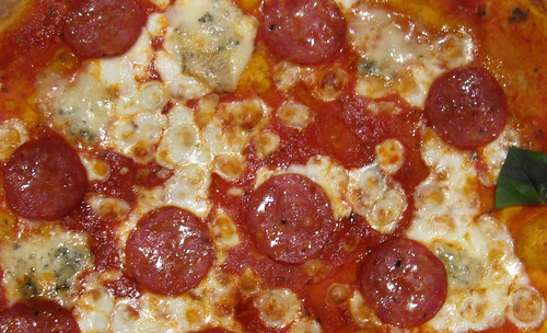 "pizza 01 • <a style=""font-size:0.8em;"" href=""http://www.flickr.com/photos/30735181@N00/3783785246/"" target=""_blank"">View on Flickr</a>"