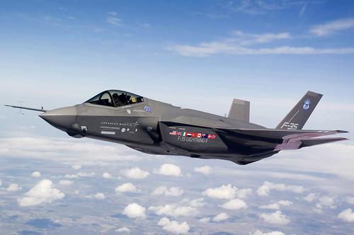 フリー画像| 航空機/飛行機| 軍用機| 戦闘機| F-35 ライトニングII| F-35 Lightning II|      フリー素材|
