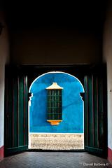 Por el Casco (daniel_barbera) Tags: door window ventana puerta