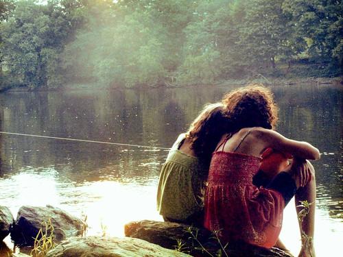 フリー画像| 人物写真| 女性ポートレイト| 後ろ姿| 河川の風景|       フリー素材|