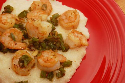 shrimpandgrits_serving